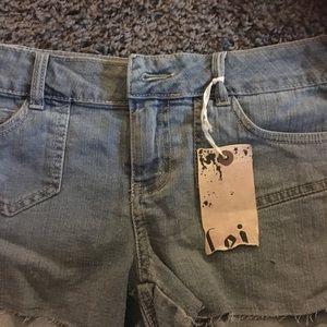 NWT. Size 9.  Lei jean shorts